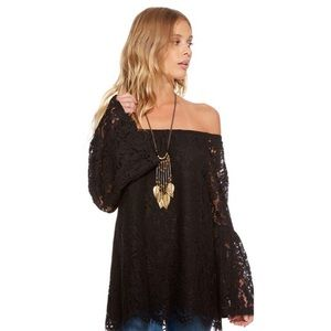 CHASER Vintage Lace Off The Shoulder Peplum Top